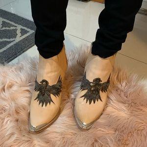 Jeffrey Campbell size 81/2 wester beige booties